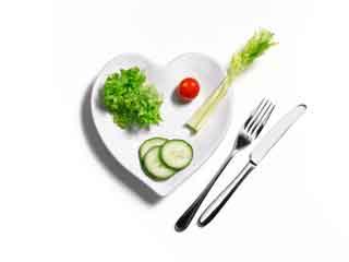 स्वस्थ दिल के लिए बदलें खाने की आदतें