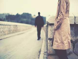 मुश्किल संबंधों में इन सात चीजों से गुज़रते हैं लोग