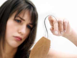 इन कारगर उपायों को अपनाएं और केवल 10 दिनों के अंदर अपने बालों को दोबारा उगाएं