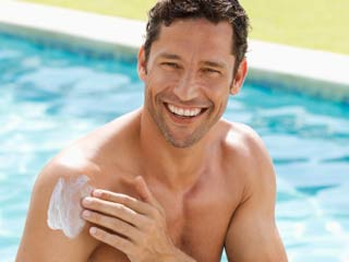 Sunscreen can Reduce Fertility in Men