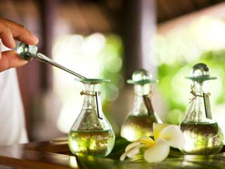 A Guide to Therapeutic Essential Oils