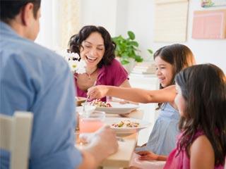 साथ खाना है पारिवारिक खुशी का रहस्य