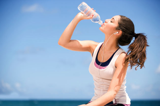 वर्कआउट के बाद पानी पियें