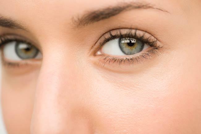अनमोल है आंखें
