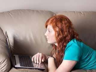 Sad People Browse their Unsuccessful Friends on Facebook