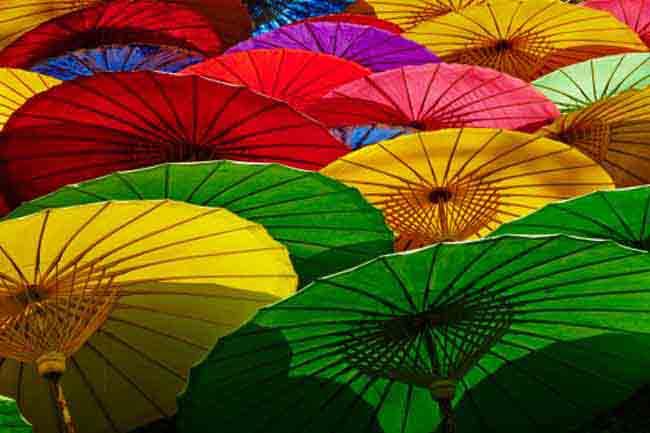 जीवन को रंगों से भरें