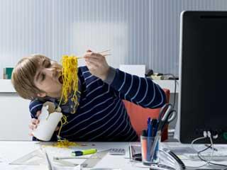 ज्यादा खाये बिना कैसे करें तनाव का सामना