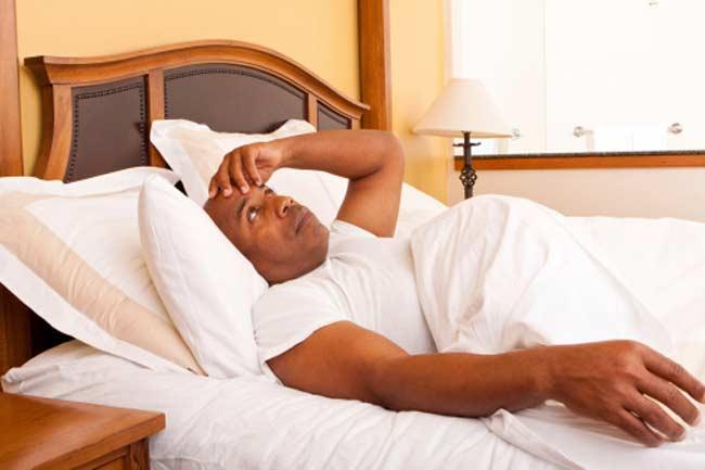 कम नींद वसा की ओर आकर्षण