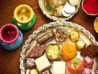 दिवाली पर मरीज भी खा सकते हैं मिठाई