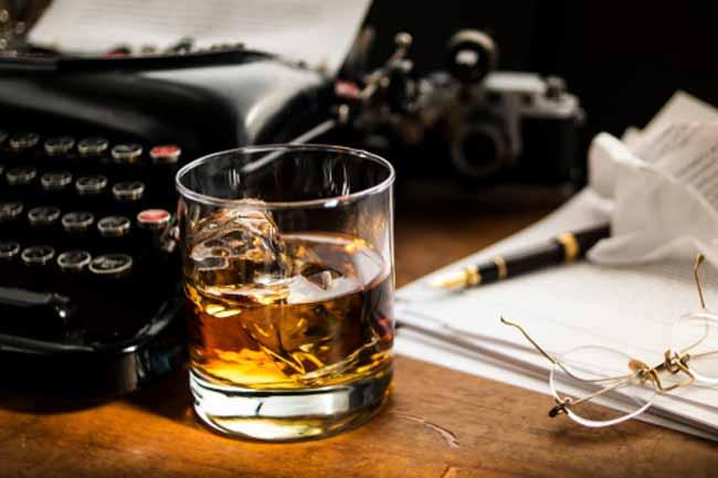 शराब पीने से दर्द का बढ़ना