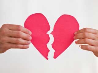 इशारे जो बतायें कि अब मुश्किल है आपके रिश्ते को बचा पाना