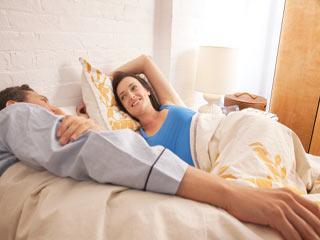 पुरुषों को सुबह और महिलाओं को रात में क्यों पसंद होता है सेक्स