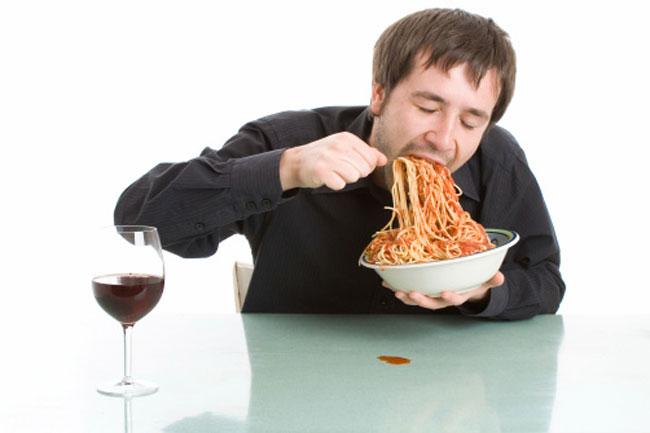 जल्दी -जल्दी खाना