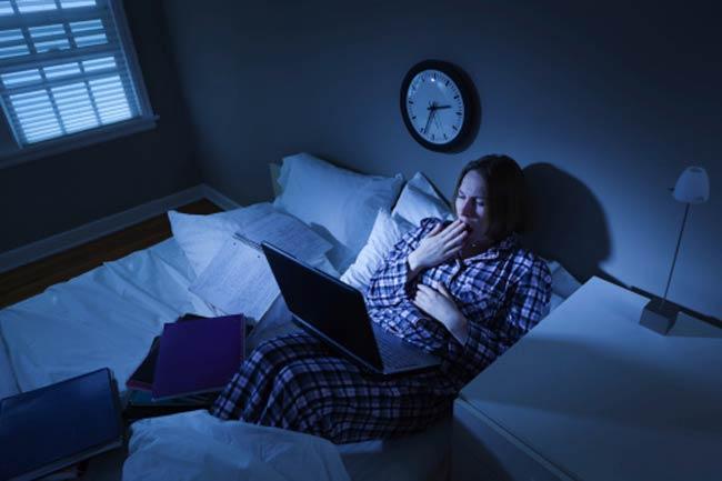 देर रात तक जागना