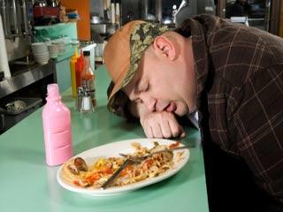 भोजन करने के बाद क्यों आती है तेज नींद