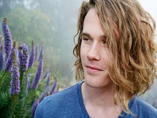Long <strong>Hair</strong> for Men:Tips for Growing and Managing It