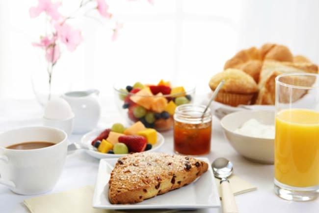 नाश्ता जरूर करें