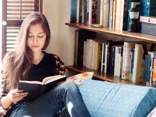 सेहत के लिए बहुत फायदेमंद होती हैं किताबें