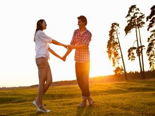 जीवन भर प्यार चाहते हैं भरपूर तो इन सात आदतों से रहें दूर