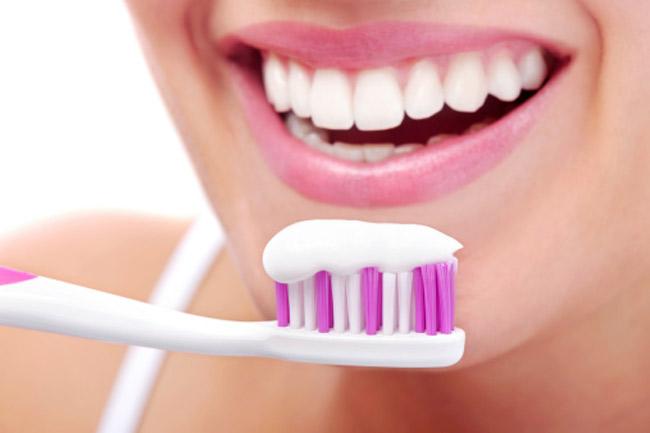 दांतों की देखभाल जरूरी