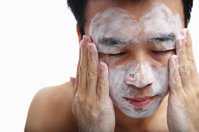 चेहरे की सफाई