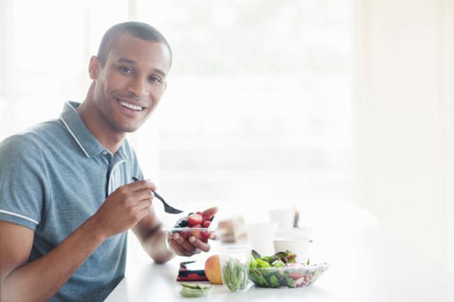 नियमित रूप से खाओ, लेकिन लगातार नहीं