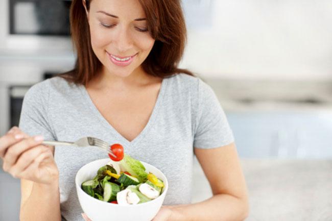 पौष्टिक भोजन करें