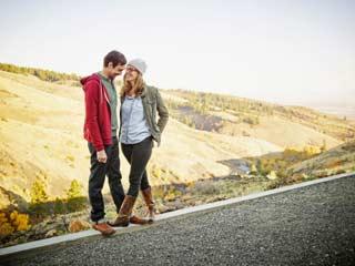 किसी के प्यार में पड़ने से खुद को कैसे रोकें