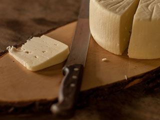 Consuming High-fat Dairy Foods is linked to Reduced Risk of Type 2 Diabetes
