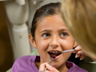 टेढ़े-मेढ़े दांतों से कैसे पाएं छुटकारा, जानें