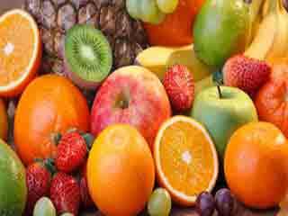 कहीं गलत समय और तरीके से तो नहीं खा रहें आप फल