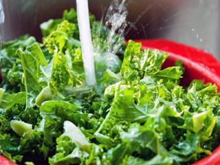 कच्चे आहारों को ठीक ढंग से धोने का सही तरीका