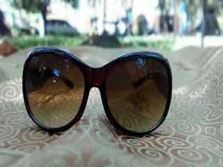 क्यों जरूरी हैं गर्मियों में धूप का चश्मा लगाना