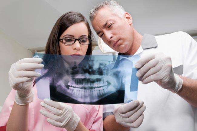 दांतों का काम