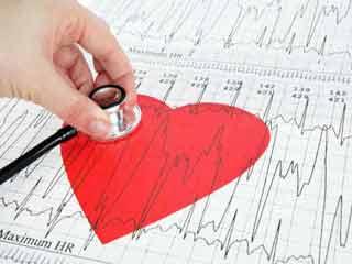 दिल की सेहत दुरुस्त रखने के लिए कभी न करें ये 10 चीजें