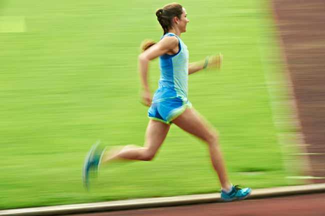 एथलीट्स के पैरों के लिए भी होता है फायदेमंद