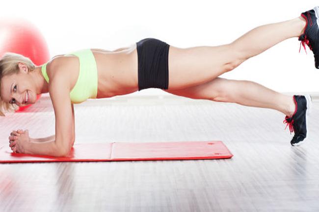 एक पैर पर प्लैंक (One-legged plank)
