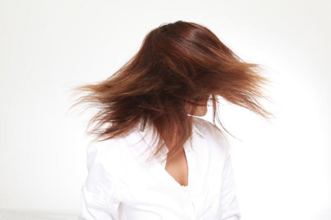 बालों को मजबूत बनाये
