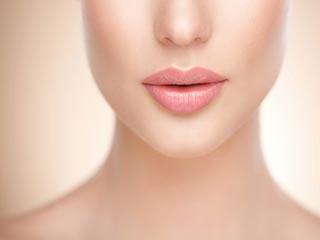 होंठों का खयाल रखने के लिए खास टिप्स
