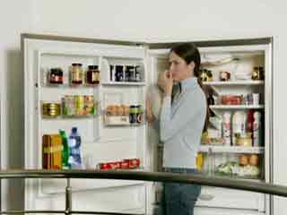 फ्रिज से आती बदबू को दूर करने में कारगर हैं ये उपाय