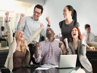 खुशहाल सहकर्मी में होती हैं ये 5 आदतें