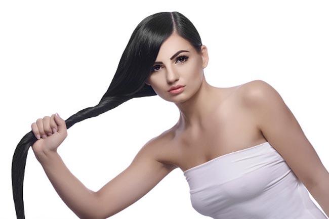 बालों को स्मूथ बनाता है