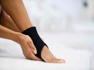 एड़ी के दर्द को दूर करने में अधिक मददगार हैं ये 4 तरीके