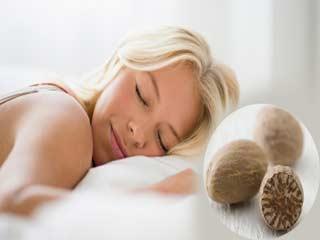 अच्छी नींद चाहिए तो जायफल का इन 4 तरह से करें प्रयोग