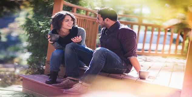 couple talking in hindi