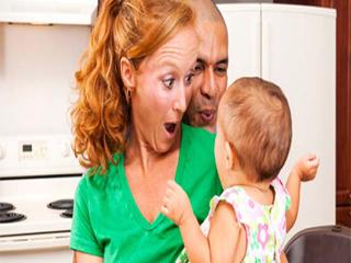 बच्चे में चिड़चिड़ापन देता है कई संकेत न करें इसे नज़रअंदाज़