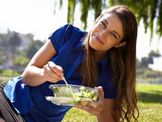 Health benefits of eating salads