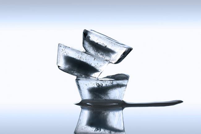 बर्फ के टुकड़े
