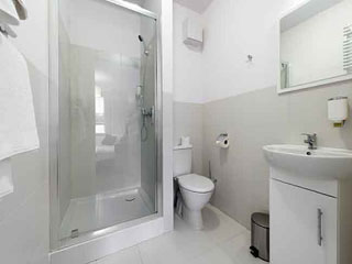 बाथरूम में अगर आपकी हरकते हैं ऐसी तो आप हो रहे हैं बीमार