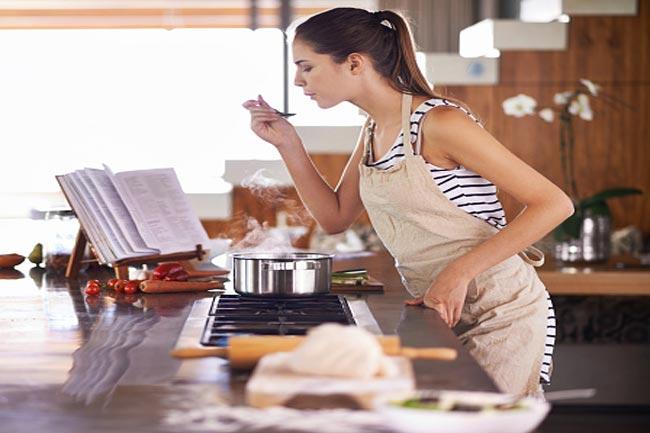 खाना बनाते समय सावधानी